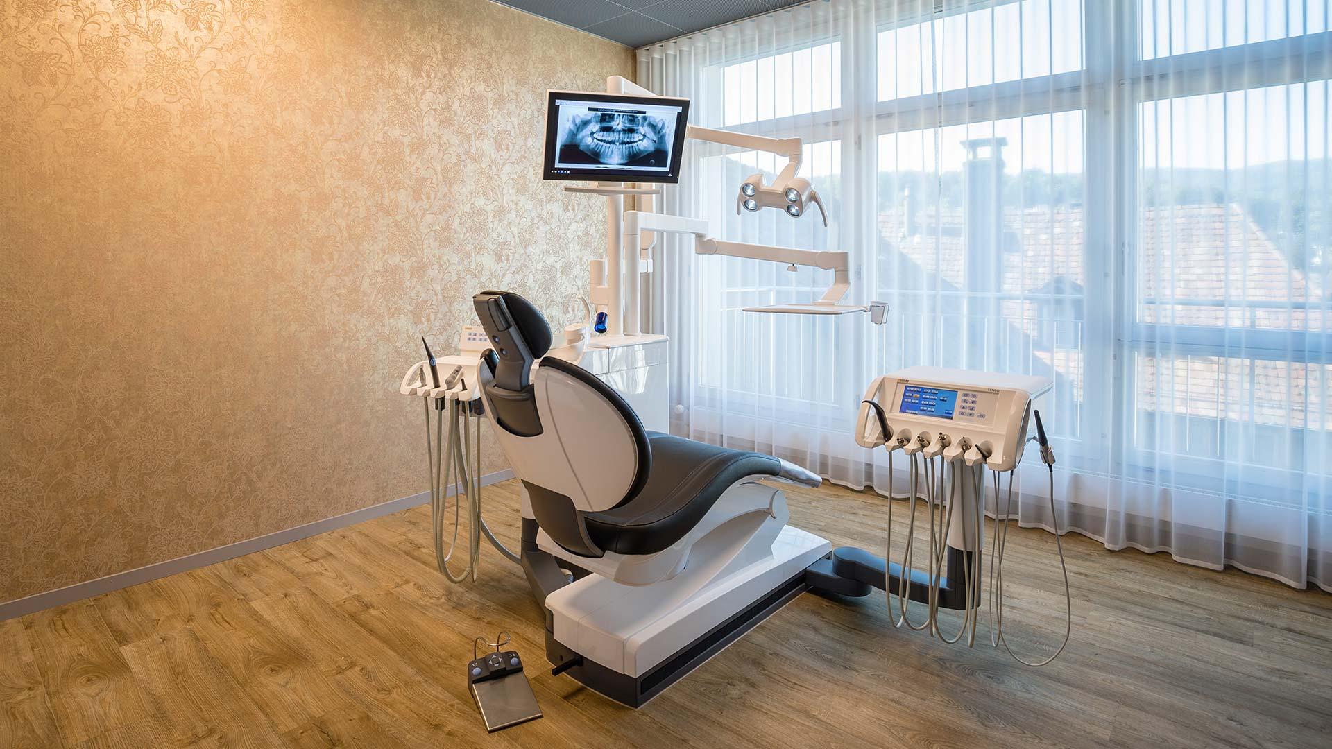 Heierle Oertig Zahnarztpraxis Behandlungszimmer Mitte